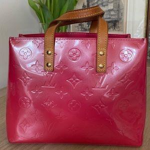 Louis Vuitton Reade PM Vernis Leather Framboise